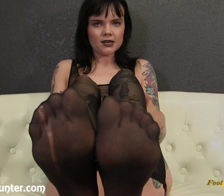 Mistress Petra Hunter - Cei For Mistress Petra's Dirty Stockings