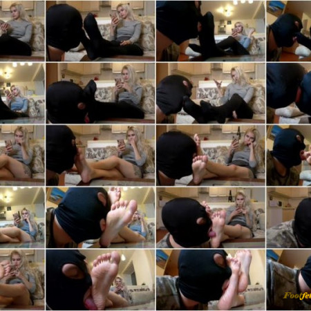 Licking Girls Feet - NICOLE - New beautiful girl and her first experience