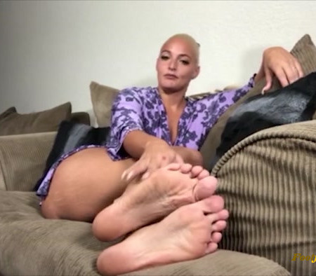 Macy Cartel - Cum For My Feet