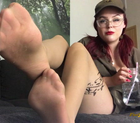 a.pantyhose.obsessions – UPS girl smelly nylon JOI