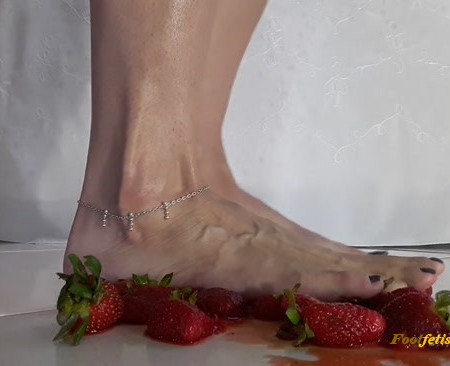 lolita feet - Food crush - Strawberry