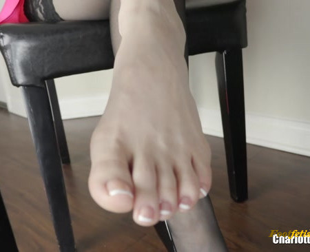 Charlotte Stokely – Toes For Dinner