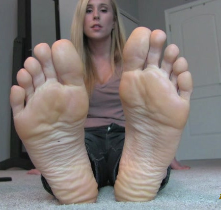 Princess Lyne - Controlled by Soles