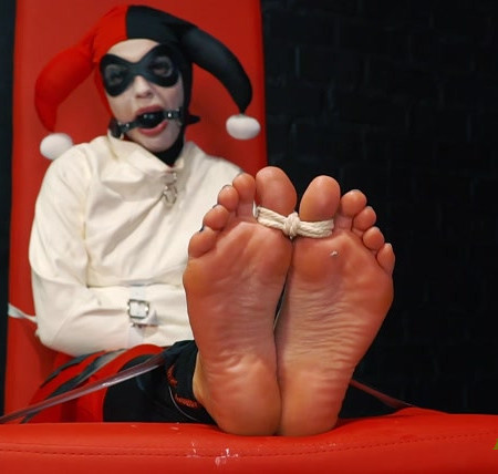 RussianFetish – Crazy Harley Quinn have fails – Long feet tickle, licking toes and straitjacket + gag