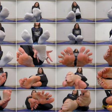 Janira Wolfe - Fuck The Floor For My Feet