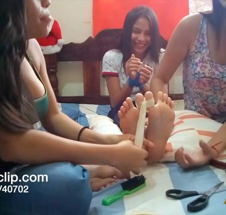 TickleScene – Brazilian Tickle Party
