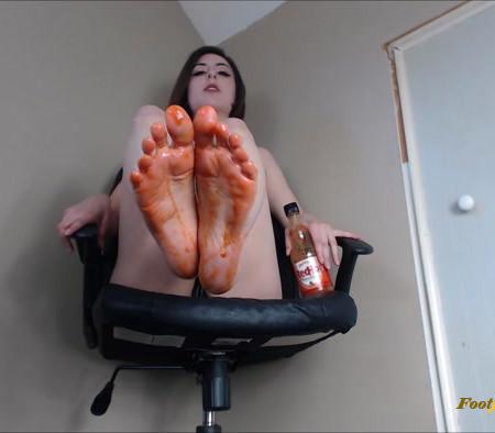 The Goddess Eris - Clean These Spicy Feet!