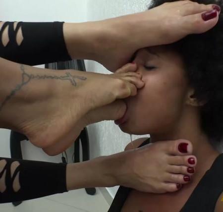 Newmfx - Queen's feet