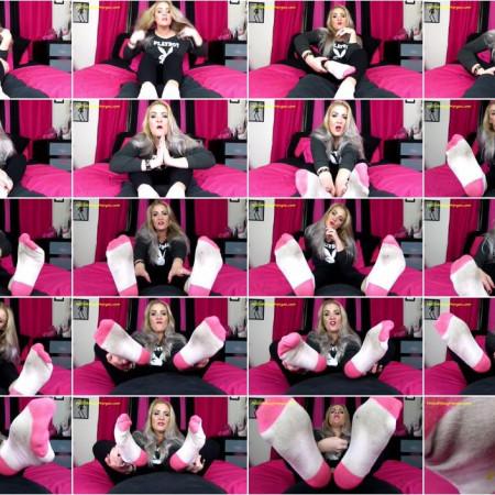 Miss Whitney Morgan - Beat It To Brtty Whitneys Socks