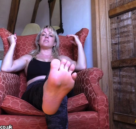 Mistress Tess - Post run sweaty foot worship POV