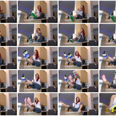 Mz Devious - Losers jerk off to feet