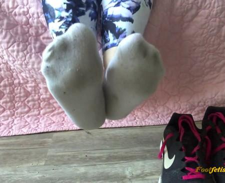 Chloe Manson - Worship My Sweaty Drenched Gym Socks