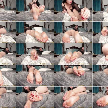 Goddess Alexandra Snow - Bottoms of My Feet