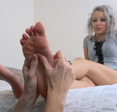 Scarlett Sinns - Sensual Worship and Playful Tickles