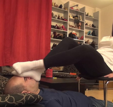 Lady Carolina - Running Low - Sweaty Socks Smothering, Smelling And Domination