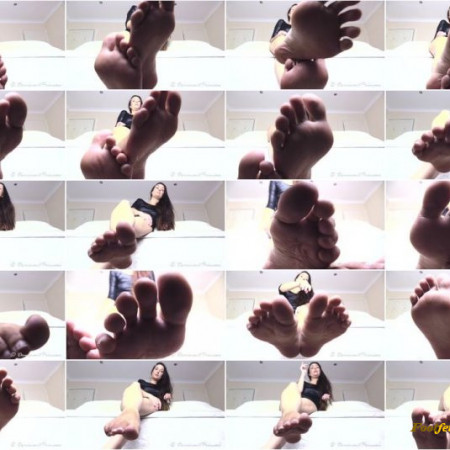 Dominant Princess - Get Beneath My Feet