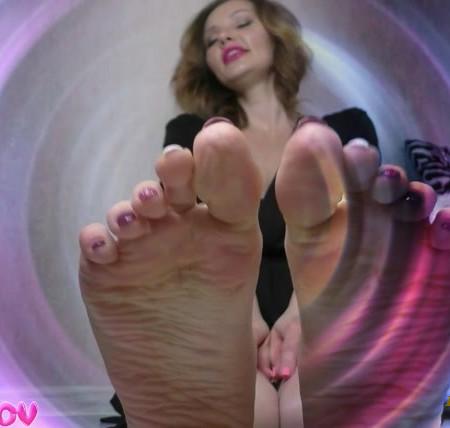 Mistress Zaida - Kiss My Feet! (A Mesmerizing Brainwash Experience)