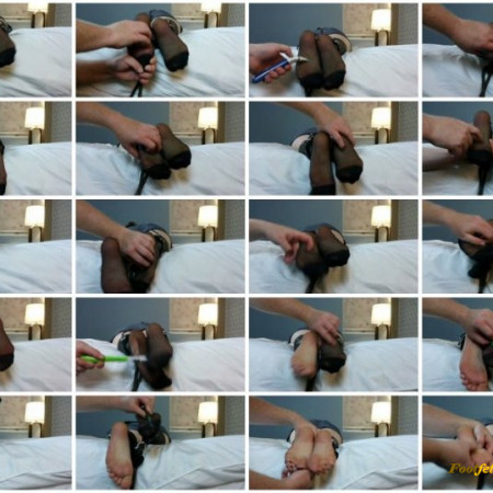 Midwest Tickling – Meretrix in Nylons