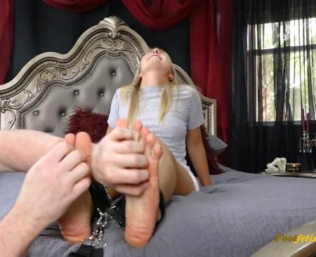 Silver Cherry – Beautiful Big Soft Ticklish Feet