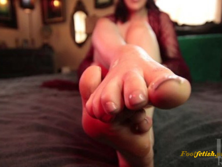 Liv Royale - Eat Cum Off of My Feet