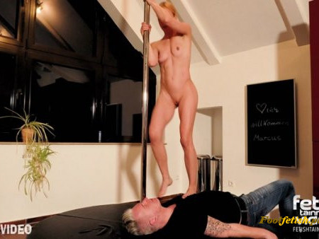 FemdomGold - The first time I have a human dance floor (barefoot trampling with Laura L)