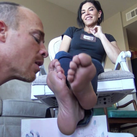 Goddess Zephy starring in video (Owned by smelly feet) [FullHD 1080P]