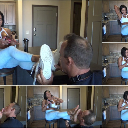 Foot Licking After Workout! [FullHD 1080P]
