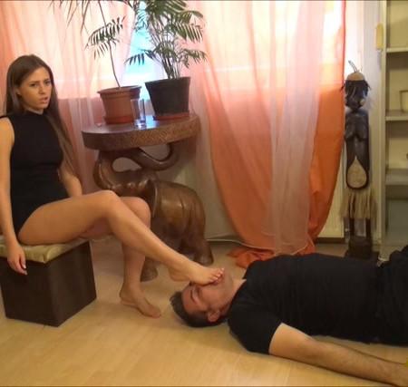 Elizabeth - Trampling And Foot Domination