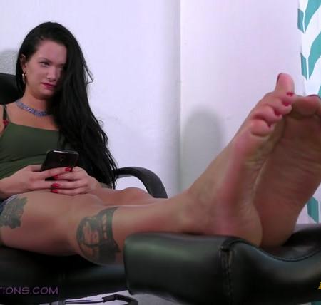 Terras Temptations - Maria Marley - Ticklish foot massage
