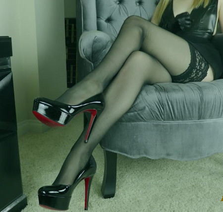 Charlotte Stokely - Cancel Your Plans And Edge To My Legs