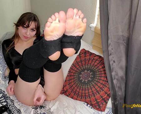 Neko Nymphe - Strip tease ass aheago feet
