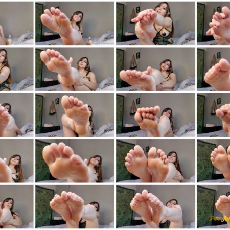 Neko Nymphe - Little Neko shoves her elven feet in your face