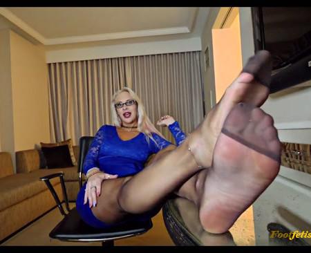 Vicky Vixxx - AVN Foot Aroma