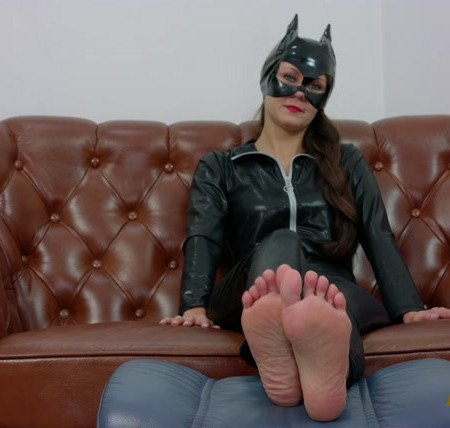 POV Paulina Cat Woman Wants You To Lick Her Feet