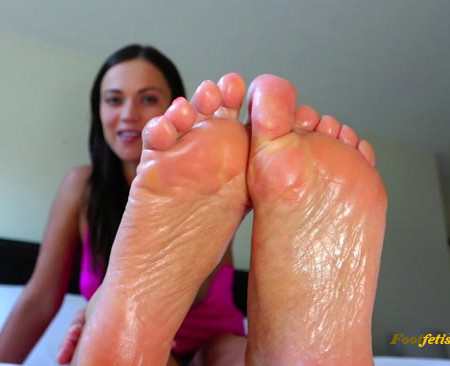 Alyssa Reece – Brainwashed by My Feet