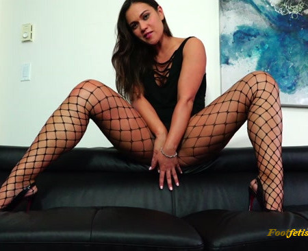 Alyssa Reece – Stroke for My Long Legs in Fishnets