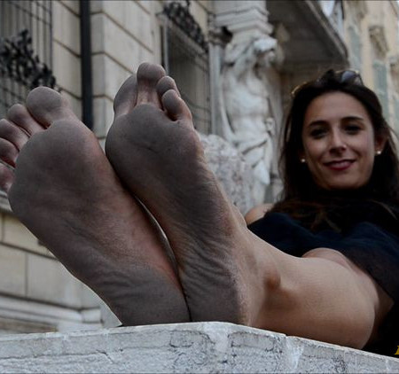 Barefoot Urban Girls - SWAINS and AMELIE: filthy soles festival