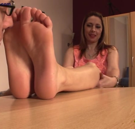 Foot Casting and Worship with Daria Glower