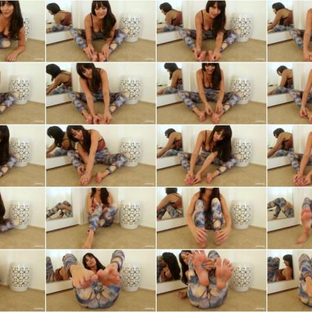 Stella Liberty - Foot Rub for Yoga Teacher