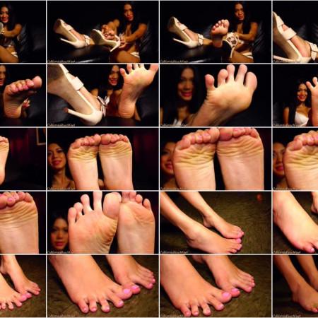 California Beach Feet - Linda