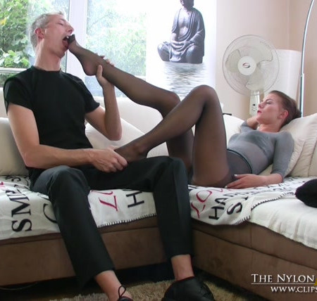 The Nylon Leg Fetish Store - Loreen tease businessman