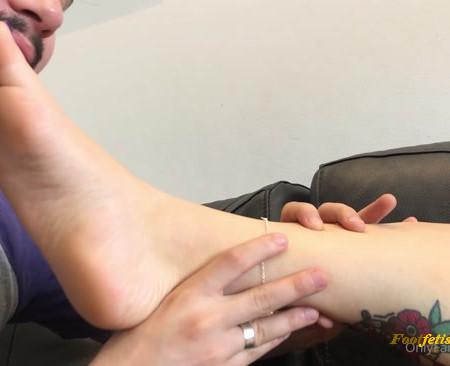 luna feet - It makes me very horny