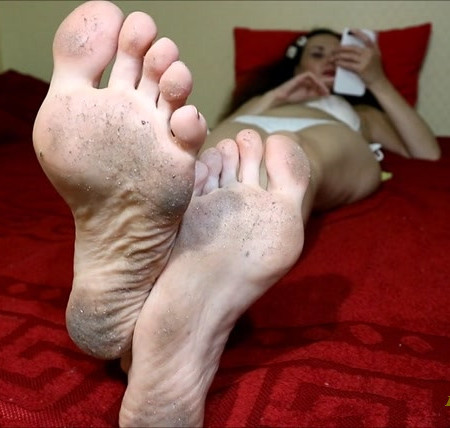 Clean my dirty feet