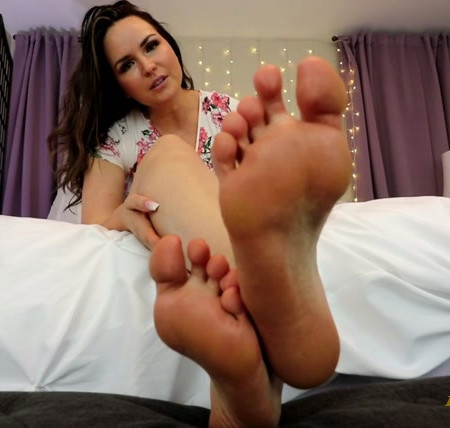 Miss Kate Kingsley - Truth About Footsluts