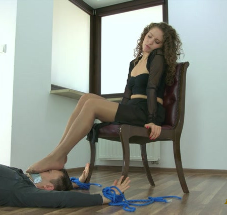 Polish Mistress - Karolina - Strong Dancers Legs On Your Face