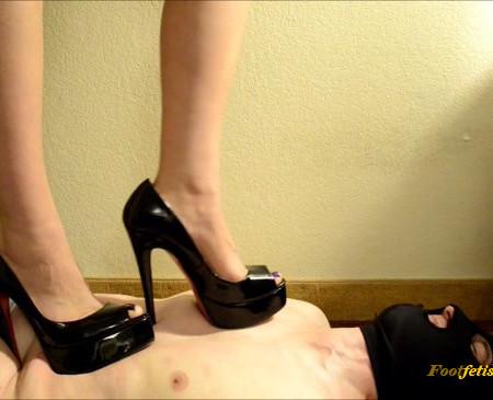 Pedestal - Luna Lain - Heels and Roses