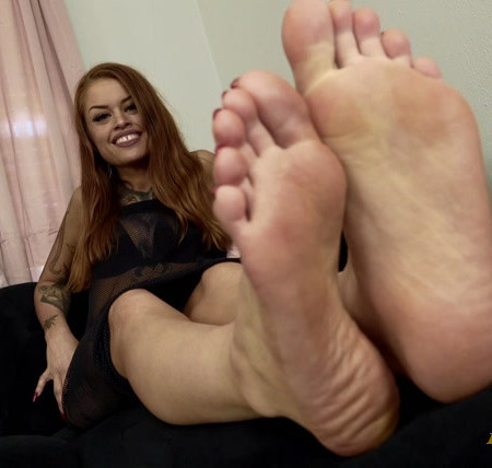 Goddess Jasper - Serving My Sweaty Soles