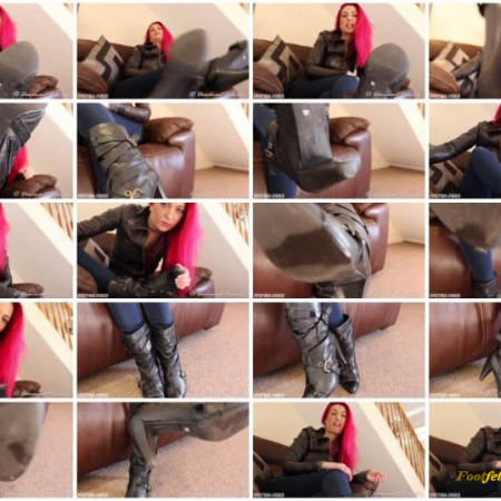 Dominant Princess – Lick The Spit Off My Boots
