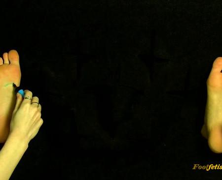 Polish Mistress – 3 Women – Feet Tickled