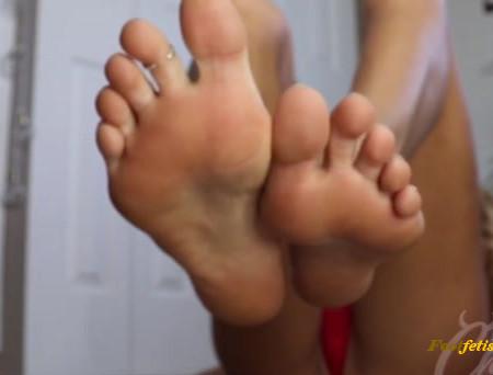 Princess Chelsea - Foot freak